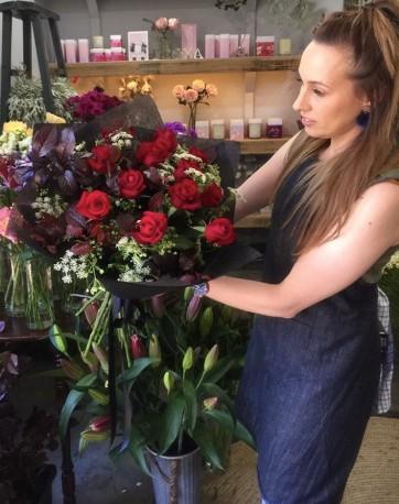 VALENTINE x12 Red Rose Bouquet